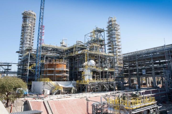 Строително-монтажни работи по изграждането на комплекс за преработка на тежки остатъци в рафинерията на Лукойл Нефтохим Бургас